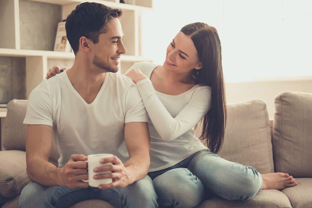 طرق جعل شريك حياتك سعيداً