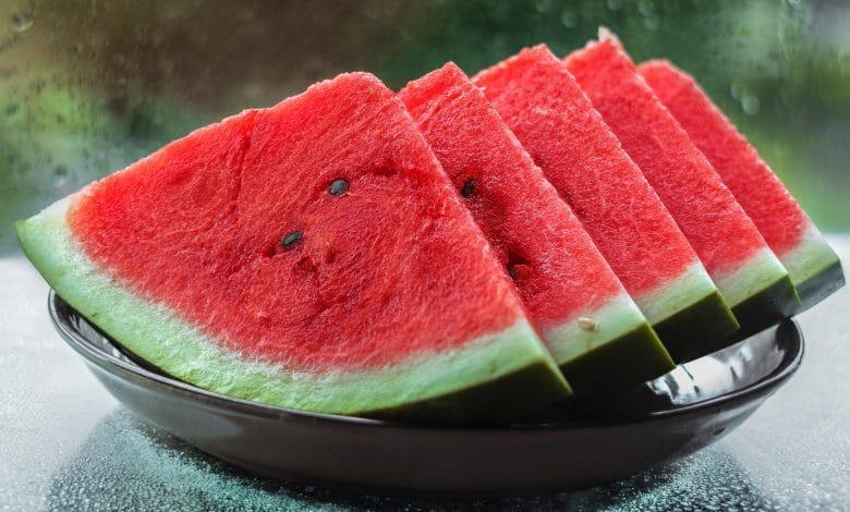 هل البطيخ يزيد الوزن